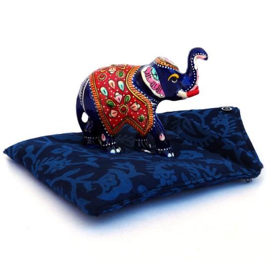 Trunk Up Lucky Pose Metal Elephant Figure (Metal)